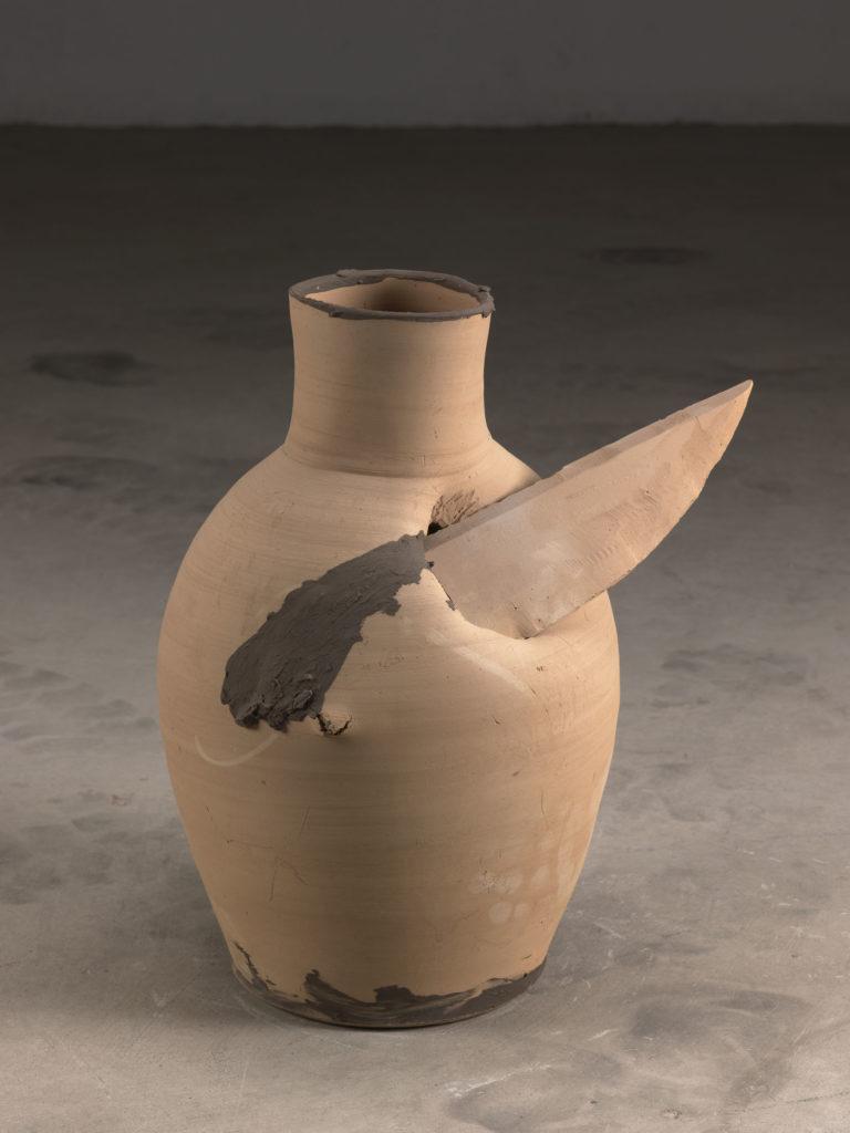 """MIQUEL BARCELO , """"Ganivetes"""", 2009, coltelli e ceramica"""